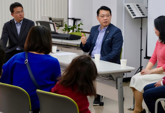 「絵本で子育てセミナー」を成澤文京区長と共に開催